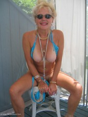 Milf bikini ruth from united states
