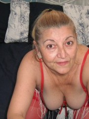 58 yo blonde mary willing to perform: close up, dancing, dildo.
