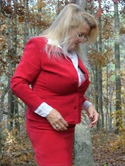 Mature secretary adonna from united states