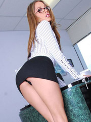 Pornstar jenna haze in a naughty secretary uniform