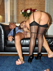 Was too good not to be seduced and screwed by that adorer of pantyhose sex