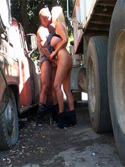 Gabbing a super sex-appeal sex in public milf by the wheel of the unkempt truck