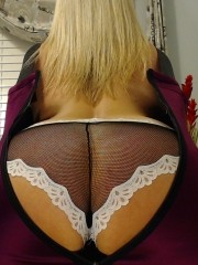 39 yo blonde violetbliss1 willing to perform: anal sex, butt plug, cameltoe.