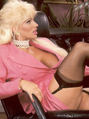 Very hot blonde retro secretary screwed hardcore pictures
